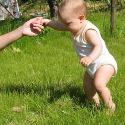 Ребёнок ходит на носочках причины