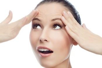 Почему на коже лица появляются морщины
