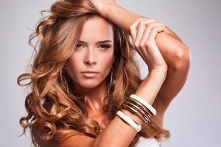 Волосы подчеркивают красоту каждой женщиныподчеркивают красоту каждой женщиныы подчеркивают красоту каждой женщины