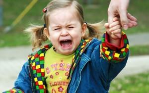 Как вести себя при детских истериках