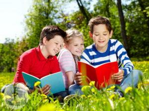 Как родителям занять детей, в летние каникулы