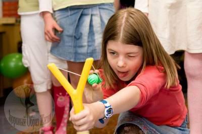 Как помочь ребенку справиться с хулиганом