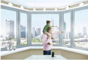 Такие окна имеют специальный шумозащитный стеклопакет